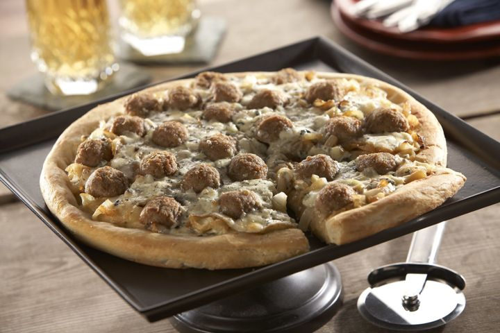 Meatball, Caramelized Onion and Gorgonzola Pizza