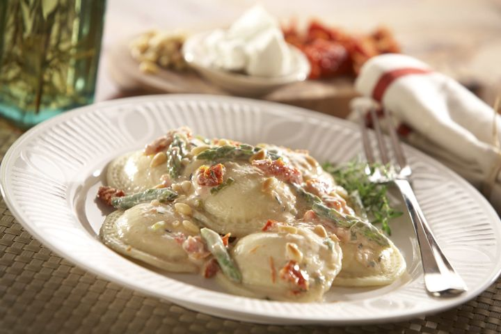 Cheese Ravioli with Asparagus, Sun-Dried Tomato and Goat Cheese